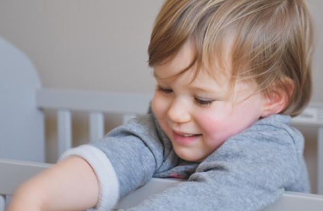 transition your toddler to a crib like a boss